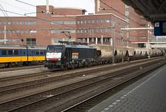 Locon 189 098 met graanwagens, Amersfoort (hemkes) Tags: train grain rail railway zug trein amersfoort spoorwegen gterzug graan mrce locon br189 dispolok goederentrein transcereales graantrein graanwagens
