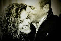 G&M (lothar1908) Tags: portrait monochrome smile sepia canon kiss couple milano sorriso ritratto bacio coppia 5dmarkiii ef70200mmf28lisiiusm