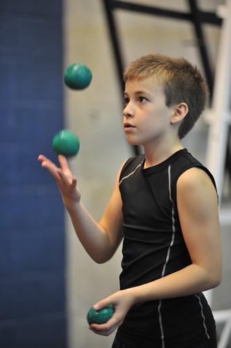Élève de secondaire en jonglerie