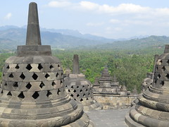 "Borobudur <a style=""margin-left:10px; font-size:0.8em;"" href=""http://www.flickr.com/photos/83080376@N03/15426769332/"" target=""_blank"">@flickr</a>"