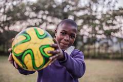 Football! | Kenya (ReinierVanOorsouw) Tags: africa sport football kenya health wash afrika kenia hygiene voetbal ngo sanitation kakamega kenyai kisumu beyondborders gezondheid qunia footballafrica  simavi   beyondbordersmedia beyondbordersutrecht sanitatie ngoproject