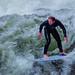 Wer sagt denn, dass man zum Surfen nach Hawaii fliegen muss? Das kann auch in München! -- Who says that you have to fly to Hawaii for surfing? This is also possible in Munich!