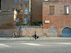 Rome on two wheels (2/2) (d vintage) Tags: street city windows urban italy rome roma bike nikon europe italia citylife streetphotography pedestrians italie nikoncoolpix oldrome