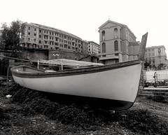 B&N (lucianoserra490) Tags: maredinverno barca biancoenero genova