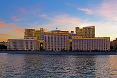 Ministry of Defence of the Russian Federation (13emilio) Tags: russia rusia russland russie water moscowriver river moscow moscú moscova moskau mosca bluesky clouds building buildings defense ministeriodedefensa министерствообороныроссийскойфедерации