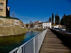 P1130462 (madda.de) Tags: bastione fiume acqua città