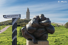 "Sculpture of ""Queronte"", with the Tower of Hercules in the background (A. Muiña) Tags: escultura faro torre piedra bronce historia old antiguo patrimoniodelahumanidad color cielo paisaje nikond800 airelibre arquitectura architecture stone etnografía urbana street"