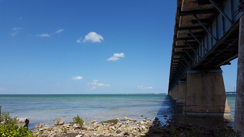 Old 7 Mile Bridge from Pigeon Key