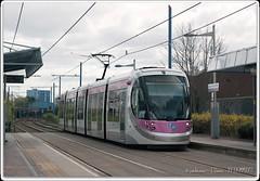 No.19-at-West-Bromwich-Central (zweiblumen) Tags: 19 caf urbos3 tram midlandmetro publictransport westbromwichcentral westbromwich birmingham westmidlands england uk canoneos50d canonef50mmf14usm polariser zweiblumen