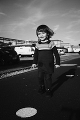 Windy Girl (FranciscoEvangelista) Tags: windy girl daughter child kids bw blackwhite blackandwhite walk sunny fujifilm x100f contrast classic light filmlook filmsimulation acros outdoor