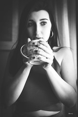 MARÍA010 (DivinaLocura) Tags: beautiful bw blackandwhite blancoynegro retratos retrato portrait gente chica girl guapa