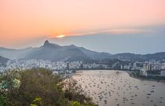 RJ (crismdl) Tags: rj riodejaneiro rio corcovado urca pãodeaçucar montain montanha errejota brasil bresil brazil pordosol sunset goldenhour