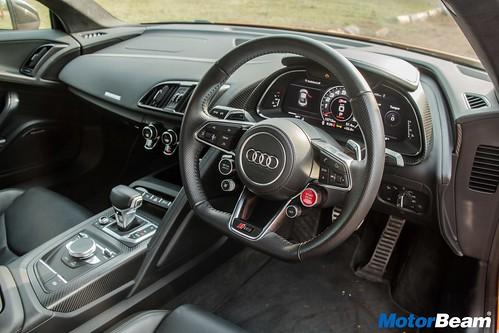 2017-Audi-R8-17