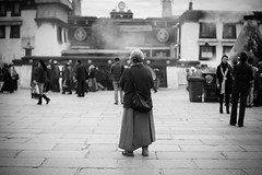 20140912-L1002795111222 (Dennis Wu6) Tags: street leica nepal 2 bw photography singapore 14 rangefinder tibet kathmandu 50 35 旅行 黑白 小印度 duba m9 人文 西藏 布达拉宫 街拍 尼泊尔 加德满都 博卡拉 大昭寺 新加坡 金沙 pokhra summcrion