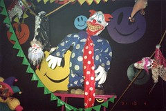 2001, Knott's Scary Farm (jericl cat) Tags: 2001 halloween night 3d scary farm clown horror maze clowns haunt knotts bigtop mazes berryfarm