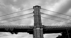 Brooklyn Bridge (Capture the world in your mind) Tags: city nyc bridge blackandwhite white newyork black brooklyn williamsburg nuevayork granmanzana gigapple