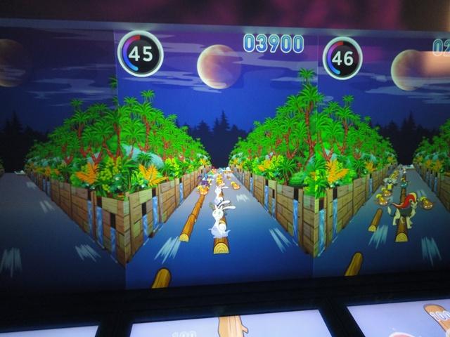 ゲームは大画面に映し出されます。|ナガシマスパーランド