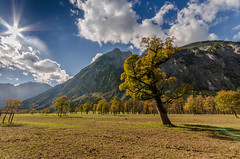 Perfect day for hiking (hjuengst) Tags: autumn orange clouds austria sterreich day cloudy hiking herbst wolken colourful sunbeam wandern eng partly karwendel farbenfroh herbstfarben ahornboden groser hinterris pwcloudy