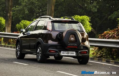 2015-Fiat-Avventura-04