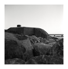 immobile (ha*voc) Tags: bridge bw 120 6x6 tlr film mediumformat square concrete sweden bunker malmö yashicamat124g kodaktmax100 id11 80mmf35