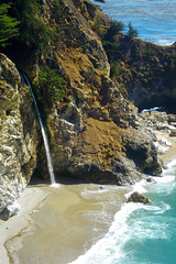 "McWay Falls flowing into the Pacific (zoom) • <a style=""font-size:0.8em;"" href=""http://www.flickr.com/photos/34843984@N07/15359541049/"" target=""_blank"">View on Flickr</a>"