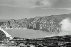 Mount Ijen (tommyajohansson) Tags: vacation blackandwhite holiday blancoynegro monochrome indonesia geotagged volcano vacances java nationalpark asia southeastasia urlaub jawa ferie semester indonesien vulkan faved blancetnoir svartvitt indonésie ijen schwarzundweiss tommyajohansson mountijen ijennationalpark
