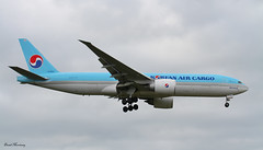Korean Air Cargo 777F HL8252 (birrlad) Tags: uk london airplane airport heathrow aircraft aviation airplanes cargo landing korean finals airline boeing arrival airways approach airlines 777 runway freight airliner lhr freighter arriving b777 777f 09l 777fb5 hl8252
