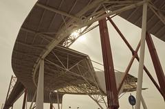 Pont du 25 avril (JSEBOUVI : 2.2 millions views !) Tags: bridge sun sol portugal architecture soleil photo nikon lisboa lisbon passage bouvier vélo octobre lisbonne 18105 d5100 jsebouvi pontd25avril