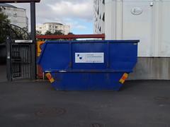 Numberless skip (Eva the Weaver) Tags: blue dumpster skip frölundatorg flickrbingo onmycard flickrbingo3i22