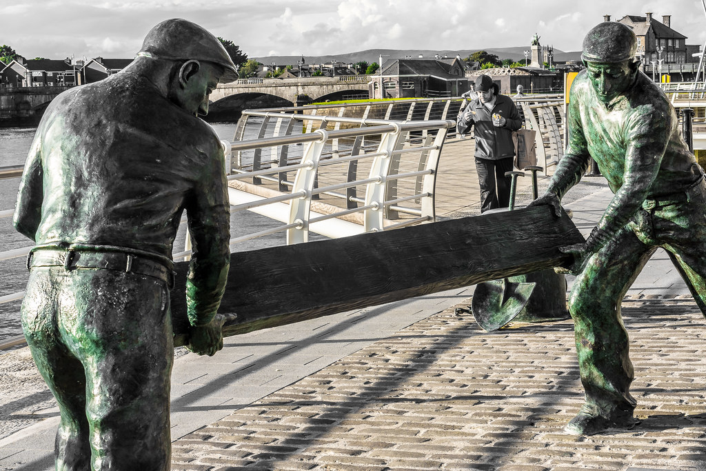 The Dockers Monument In Limerick City Ref-412