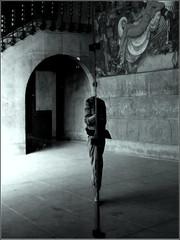 Décollation . (Bruce & Souricette) Tags: france autoportrait bordeaux noirblanc 2014 aquitaine boursedutravail