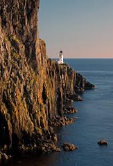 Skye1 (aanmarijn) Tags: skye cliffs vuurtoren schotland neist