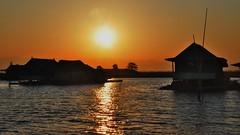 Sunset at Lake Tempe (Sulawesi) (flowerikka) Tags: sunset fishing sulawesi sengkang houseboats stilthouses laketempe seenomads