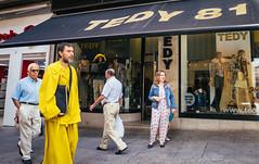 Amarillo Chilln   ///   Garish Yellow (Walimai.photo) Tags: street yellow lumix calle panasonic amarillo salamanca toro garish callejera chilln lx5