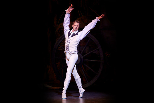 Matthew Golding to replace Roberto Bolle in the role of Des Grieux.