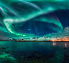 Rock 'n Roll Aurora (explored) (hpd-fotografy) Tags: arctic aurora borealis flakstadøya lofoten northernlights norway torsfjord beach cold longexposure night seascape snow stars water winter
