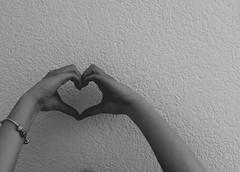121/365 Love (yanakv) Tags: love hands canon 50mmf18stm 50mm 365days 365dias blackandwhite blancoynegro bw mano corazon heart