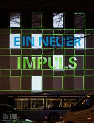 Ein neuer Impuls - a new impulse (genelabo) Tags: sana videomapping münchen sendling plinganserstrase crushed eyes projection visuals klinik krankenhaus hospital building green impuls impulse mvg bus
