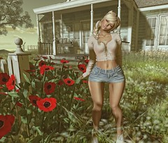 I should be over all the butterflies, but I'm into you... (autumn.fairlane) Tags: blueberry luxebox foxy maitreya larahurley izzies reign