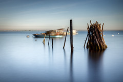 Le Tipi (Fabien Georget (fg photographe)) Tags: beach water longexposure landscape paysage sky ayezloeil beautifulearth bigfave canoneos600d canon elitephotography elmundopormontera eos fabiengeorget fabien sea fgphotographe flickr flickrdepot flickrunited georget geotagged flickunited longue winter mordudephoto nature paysages perfectphotograph perfectpictures wondersofnature wonders supershot supershotaward theworldthroughmyeyes shot poselongue photography photo greatphotographer french boat bluehour sunset slowshutter blue hour heure bleue gironde capferret eau tipi waterscape bateau 5d fullframe 5dmarkiii lherbe