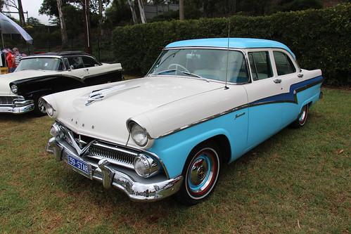 1959 Ford V8 Fordomatic Sedan