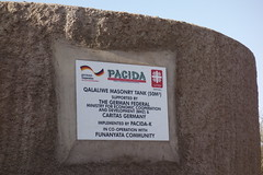 Kenia:  Der Caritas-Partner Pacida baut große Wassertanks (Caritas international) Tags: katastrophe dürre hilfsgüter hilfsaktion hungermangelernährung wasser visibility caritasinternational aabmzetc marsabit kenia ken