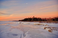 Winter Shore:  Lake Michigan (J Henry G) Tags: lakemichigan ice shoreline wintermorning morning johnhenrygremmer landscape upofmichigan