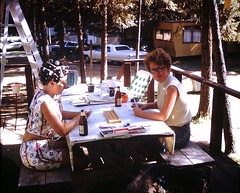 Found Photo - Women playing Cribbage (Mark 2400) Tags: found photo women cribbage trailer park hair curlers olympia beer