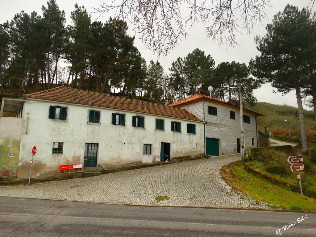 Águas frias  (Chaves) - casas na Aldeia ...