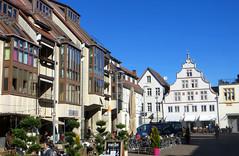 06-IMG_0565 (hemingwayfoto) Tags: architektur bauwerk deutschland erker europa giebel hansestadt hochschulstadt kreislippe lemgo marktplatz nordrheinwestfalen nrw regbezdetmold reisen stadt