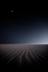 _arenas transitorias_ (ALXM_) Tags: duna dune playa beach arena sand naturaleza nature luna moon atardecer sunset canon canon6d galicia galiza españa spain louro noche night cielo sky colores colors