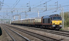 67005 67006 - 5Z39 - Coppenhall (Swifty's Rail Pics) Tags: royal train class 67 67005 67006 queens messenger sovereign visor orient express pullman railroad freight charter db cargo