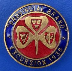 Provincial Brand Excursion 1936 - bowls touring badge? (RETRO STU) Tags: provincialbrandexcursion1936 irishbadges ireland bowlingbadges enamelbadge provincesofireland leinster munster connaught shamrock