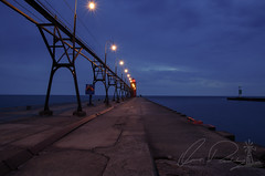 South Pierhead Light at Dusk (IRick Photography) Tags: south haven mi michigan michigander michiganders pure mittigan pier pierhead lighthouse lighthouses light house dusk sun down water lake lakes great night nighfall nighttime long exposure